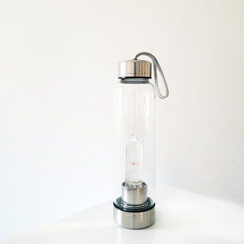botella con punta de cuarzo cristal
