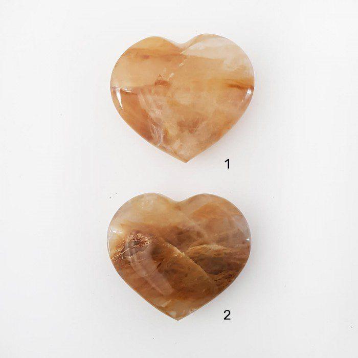 cuarzo sanador dorado en forma de corazón