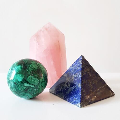 tienda de minerales con formas