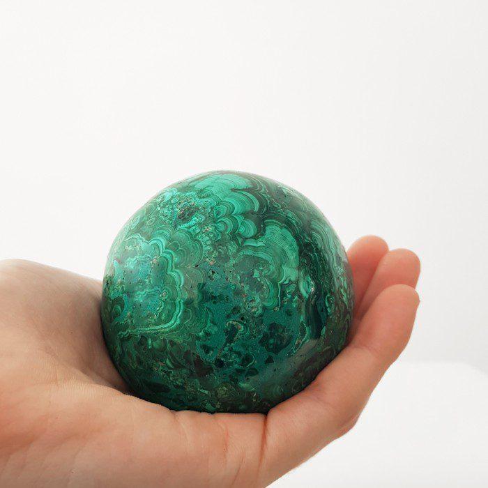 malaquita en forma de esfera grande