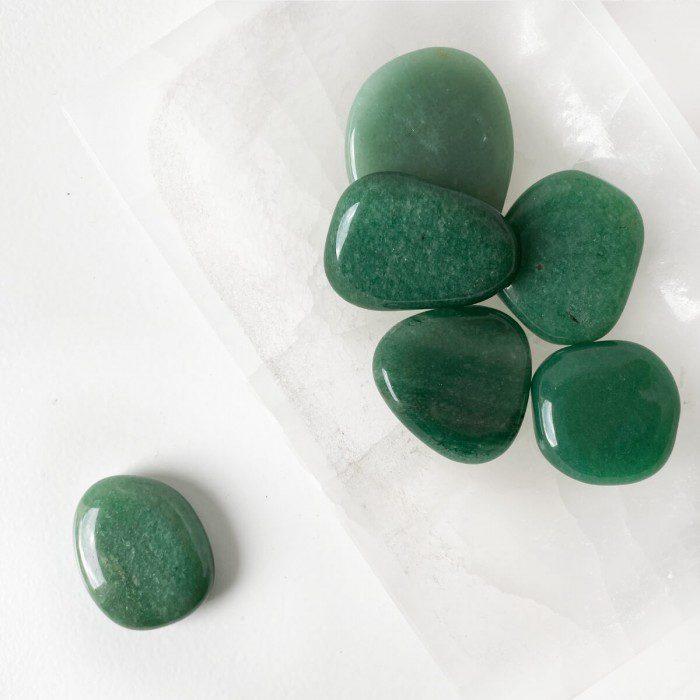 rodado de cuarzo verde plano