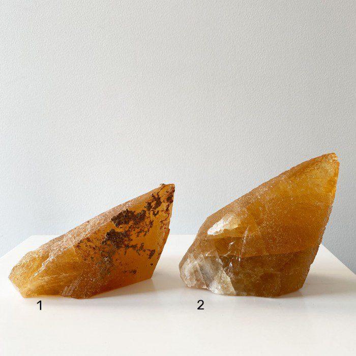 calcita miel grande en punta 2