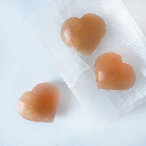 corazón de selenita melocotón