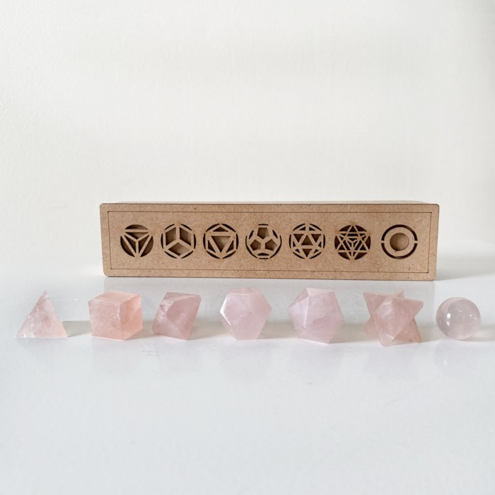 formas platónicas de cuarzo rosa