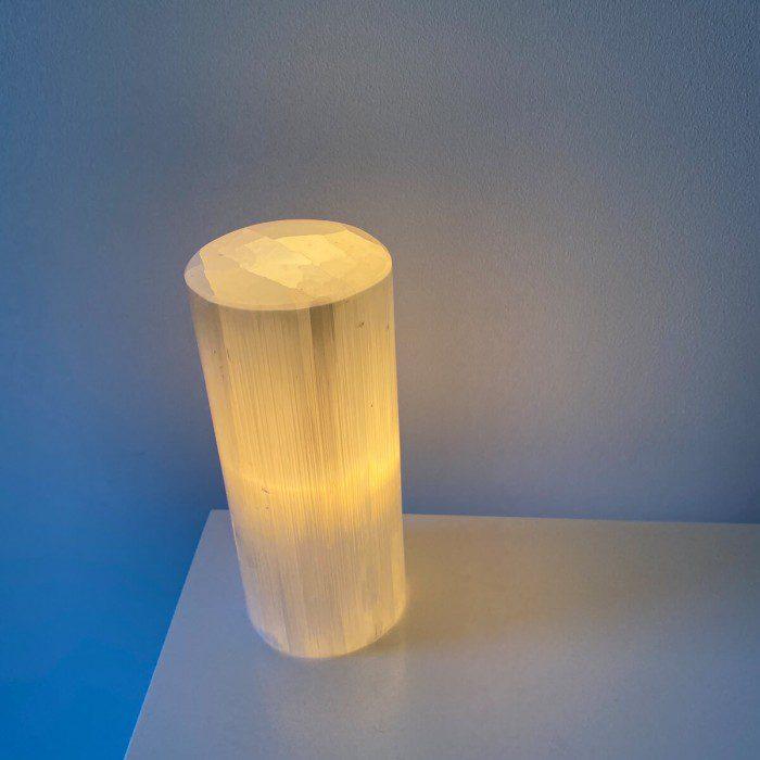 lámpara de selenita edonda pequeña