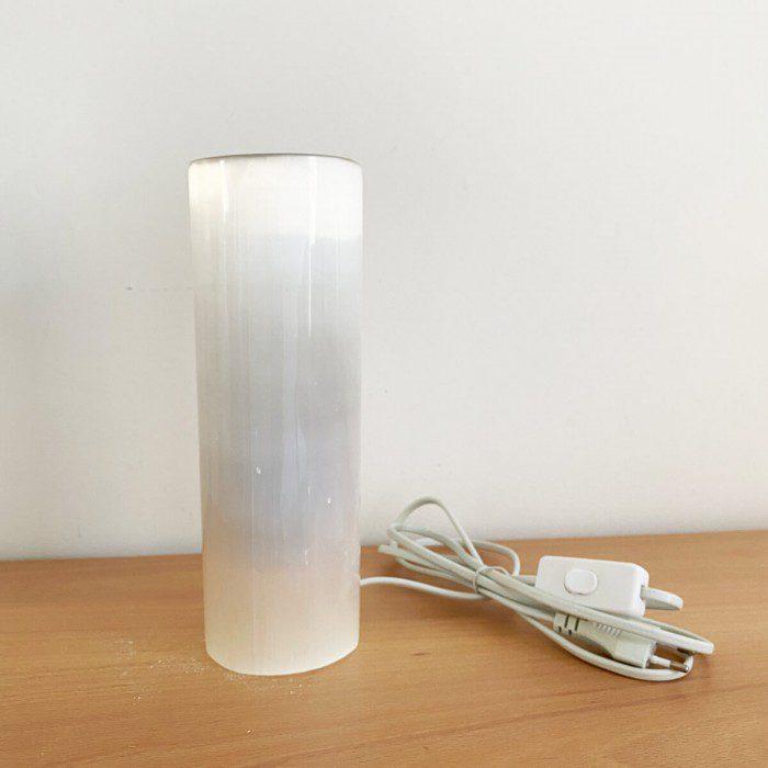 lámpara de selenita en forma de cilindor mediana