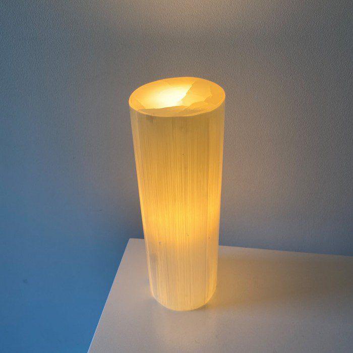 lámpara de selenita redonda mediana