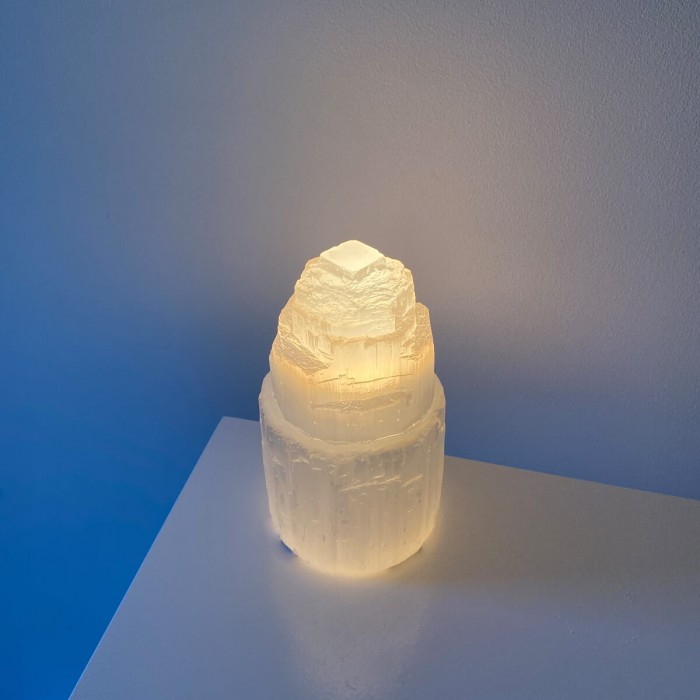 lámpara de selenita monolito mini