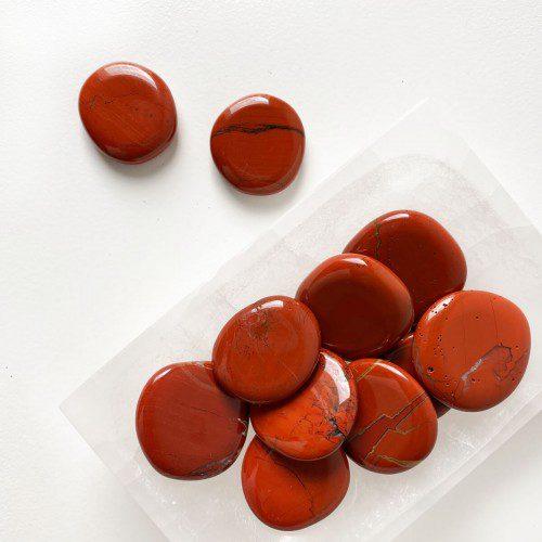 rodado de jaspe rojo plano