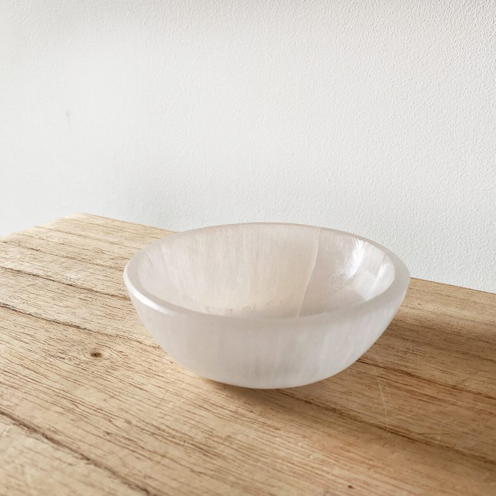 bol de selenita blanca redondo pequeño