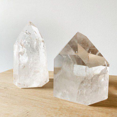 punta de cuarzo cristal grande