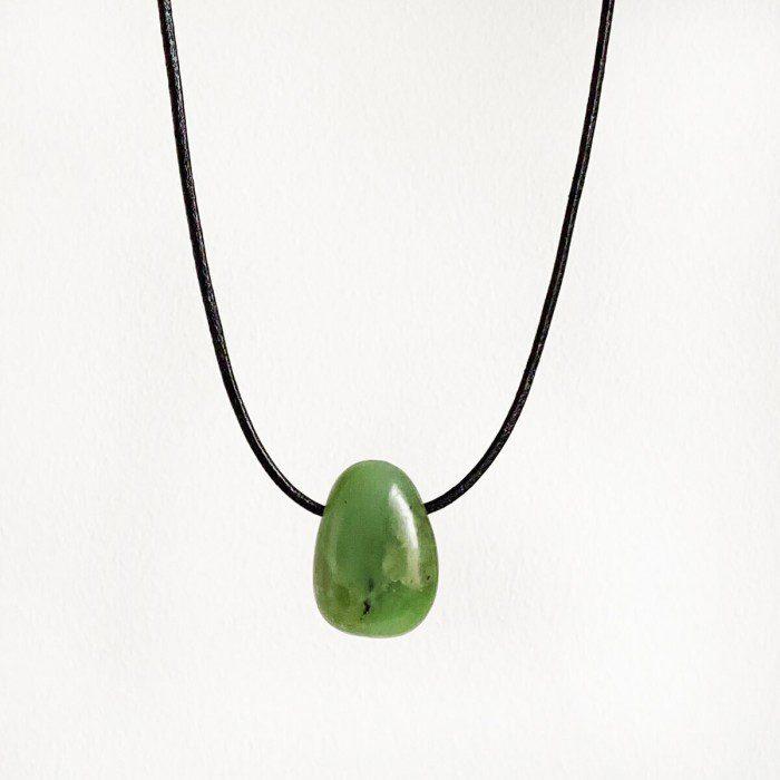 colgante de jade verde