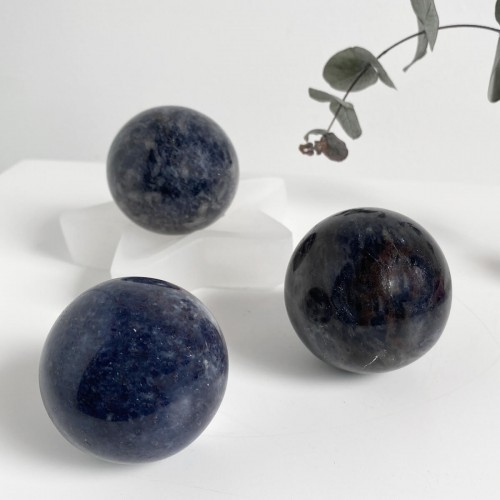 Esfera de iolita