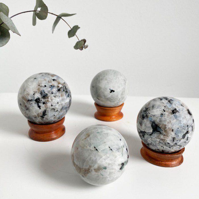 Esfera de piedra luna