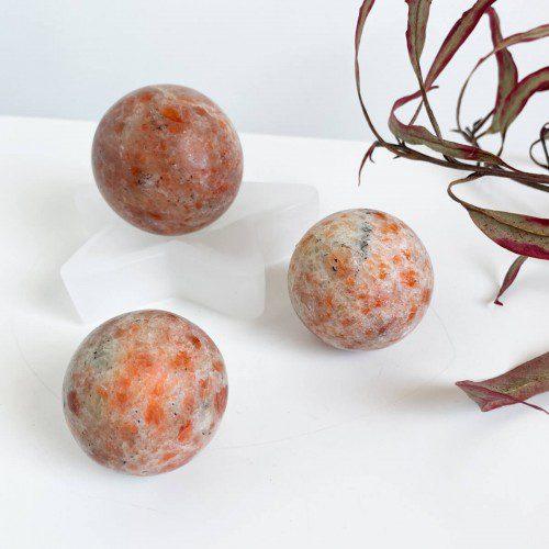 Esfera de piedra sol