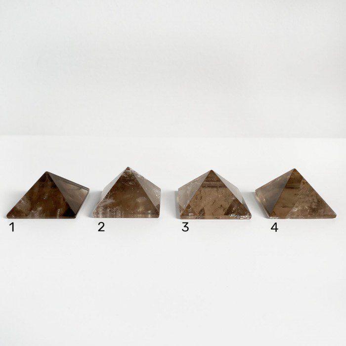 pirámides de cuarzo ahumado