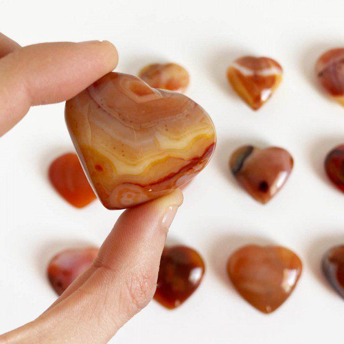 ágata cornalina en forma de corazón